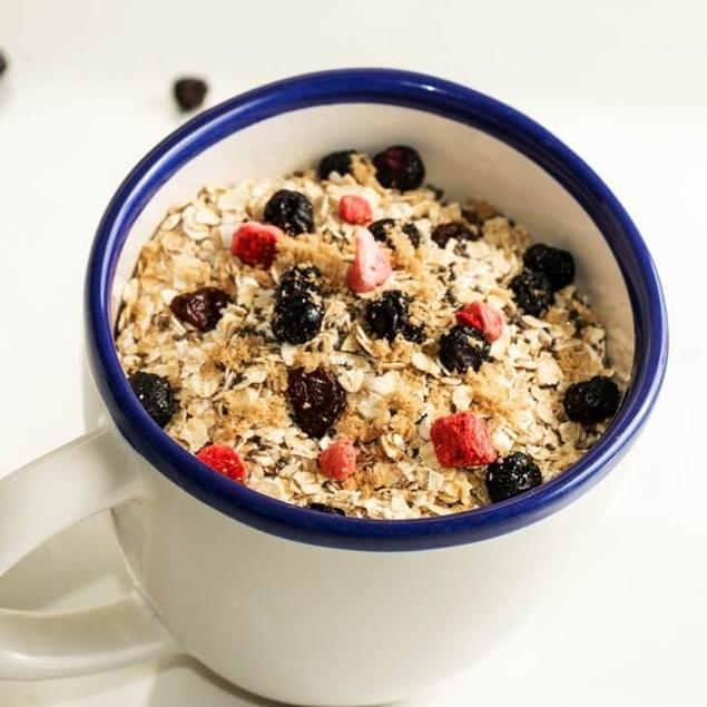 Picture of Mixed Berry & Chia Quinoa, Oat & Protein Hot Breakfast Cereal